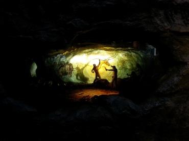 生命循環之生老病死-洞穴壁畫