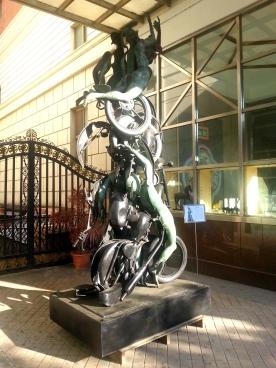 台中的一天-街上銅雕(2)